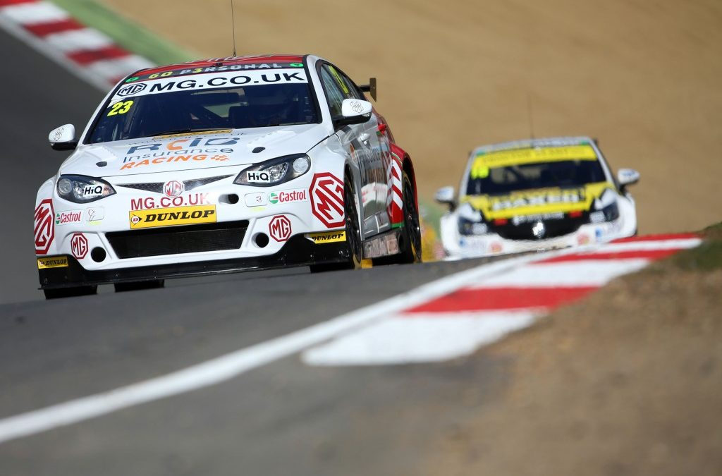 Lloyd endures a tough start to his BTCC campaign at Brands Hatch