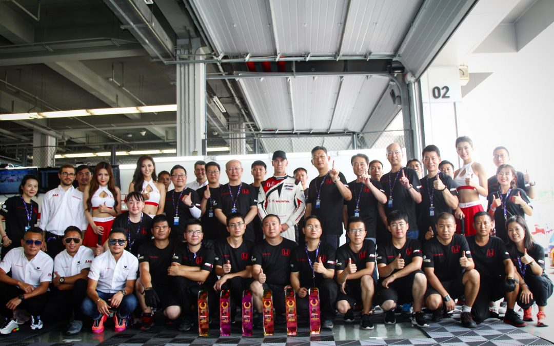 Lloyd battles against the odds to claim pole and podium in Zhejiang