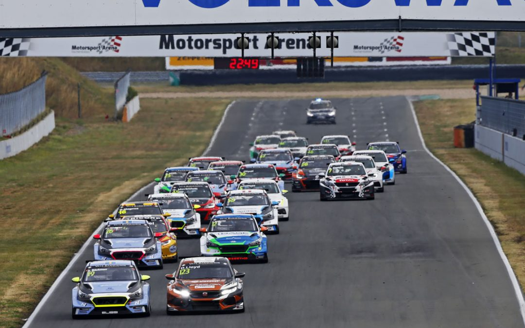 Lloyd takes maiden TCR Europe win in dramatic Oschersleben opening race