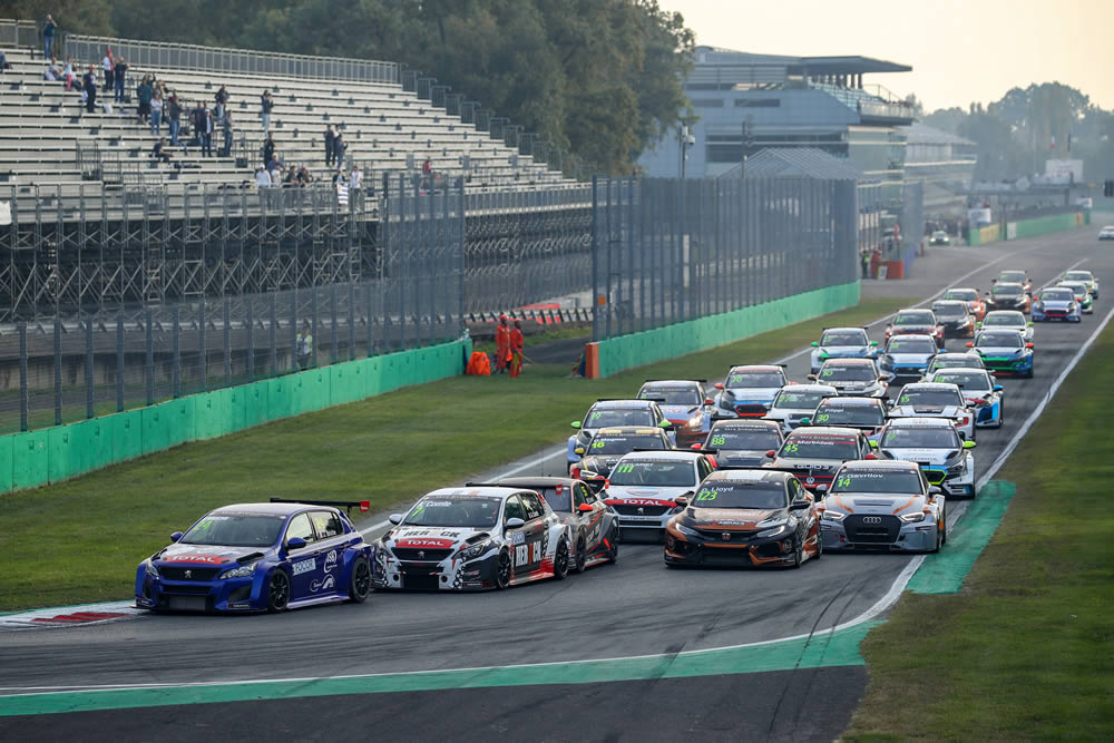Lloyd claims maiden Monza podium in dramatic TCR Europe season finale